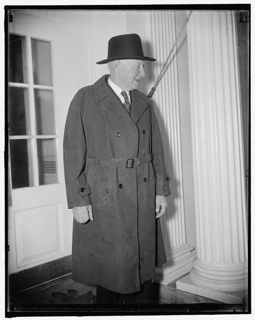 House ways and means chairman confers with president. Washington, D.C., Nov. 27. Rep. Robert L. Doughton, Chairman of the House Ways and Means Committee, leaving the White House today after discussing with President Roosevelt the program now before Congress. 11/27/37