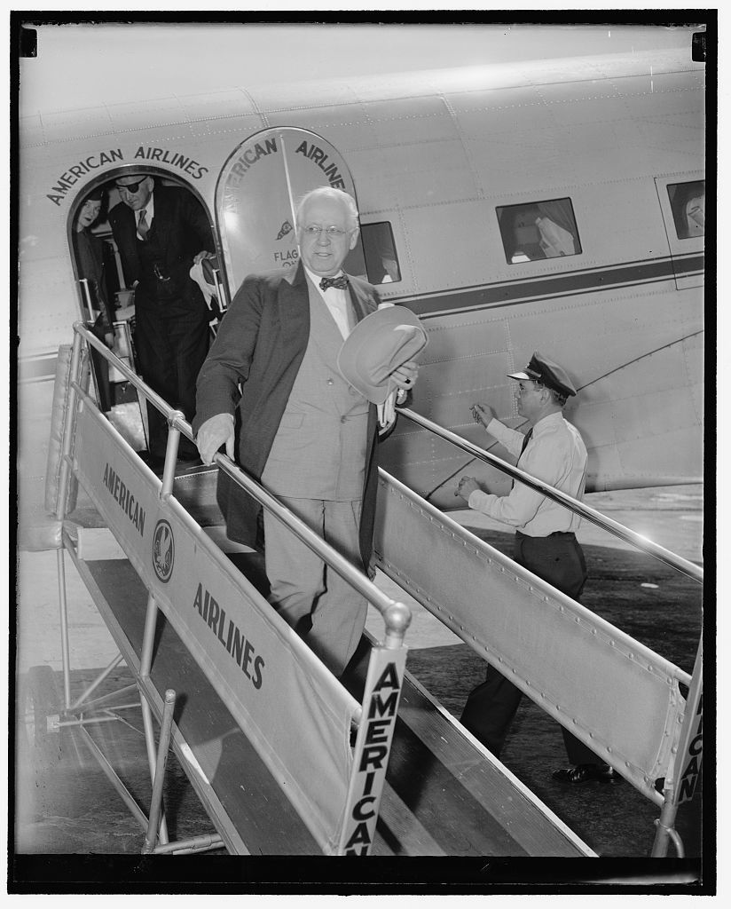 """Hull and Roosevelt discuss neutrality policy. Washington, D.C., May 9. William H. Malone, former Chairman of the Illinois Tax Commission who has been sentences to two years in preison for Income Tax fraud, flew to Washington today to appeal personally to President Roosevelt for a pardon. Upon arrival at the airport, Malone stated that he felt confident that when President Roosevelt knew all of the facts in the case he would not tolerate what they are planning to do with me,"""" 5/9/38"""