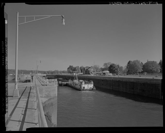Illinois Waterway, Dresden Island Lock and Dam , 7521 North Lock Road, Channahon, Will County, IL