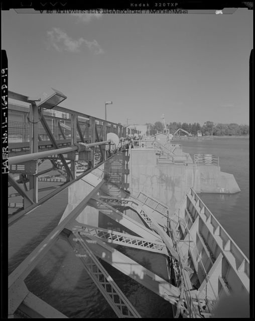 Illinois Waterway, Starved Rock Lock and Dam , 950 North 27th Road, Utica, La Salle County, IL