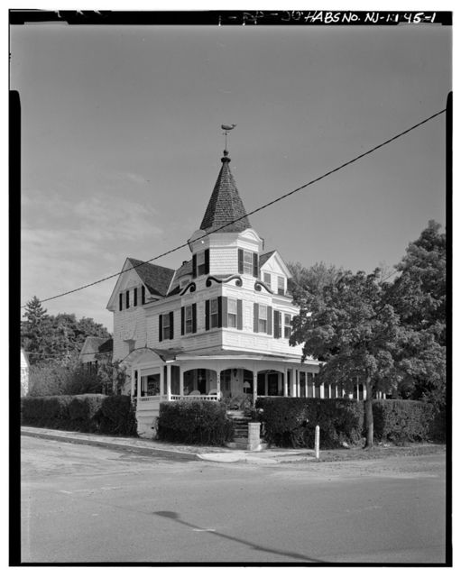 Island Queen House, 70 River Avenue, Island Heights, Ocean County, NJ