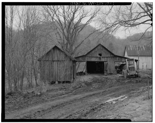 Jacob Crow Farm, Crib Barn, Crow Creek Road, 1 mile south of intersection of Routes 15 & 28, Cameron, Marshall County, WV