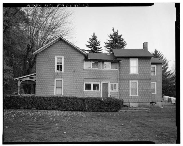James McGill, Jr., House, Legislative Route 18011, approximately 75 feet East of Locust Alley, Lockport, Clinton County, PA