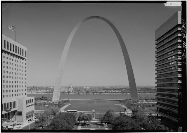 Jefferson National Expansion Memorial Arch, Mississippi River between Washington & Poplar Streets, Saint Louis, Independent City, MO