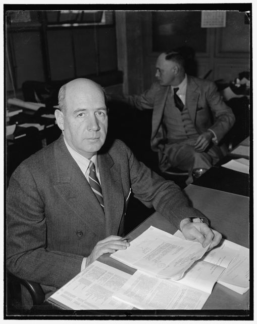 Keeps eye on allied purchases of arms. Washington, D.C., Nov. 27. Holding one of the most responsible posts in Washington these days is Lieut. Col. Charles Hines, Secretary of the Army-Navy Munitions Board. His principal duty is to see that allied purchases of arms do not interfere with arms production for U.S. defense. He knows how Britain and France have shifted their buying from normal imports to war goods. Also he knows how carefully they are rationing every dollar of foreign exchange