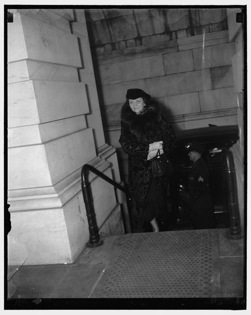 Labor Secretary arrives at Capitol. Washington, D.C., Jan. 6. Secretary of Labor Frances Perkins arriving at the Capitol today to hear President Roosevelt address a joint session of Congress