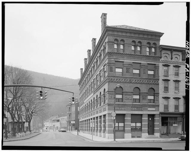 Lehigh Coal & Navigation Building, Susquehanna Street at Courthouse Square, Jim Thorpe, Carbon County, PA