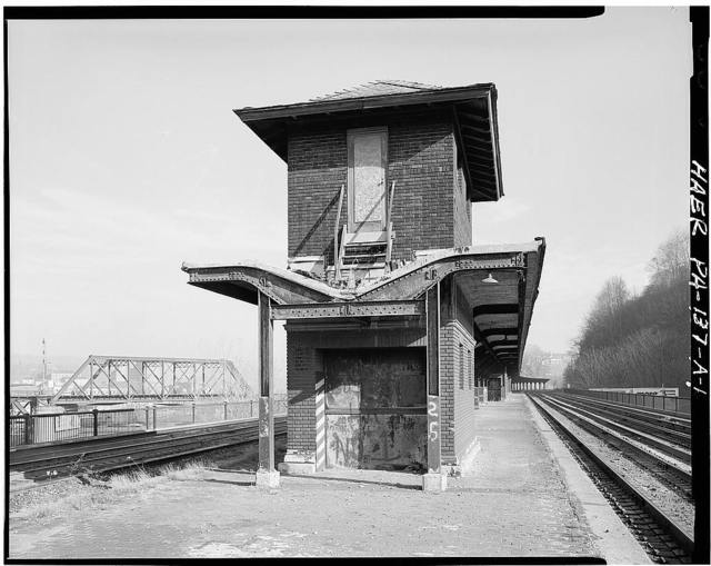 Lehigh Valley Railroad, Easton Station, Corner of Canal Street & Smith Avenue at Third Street Bridge over Lehigh River, Easton, Northampton County, PA