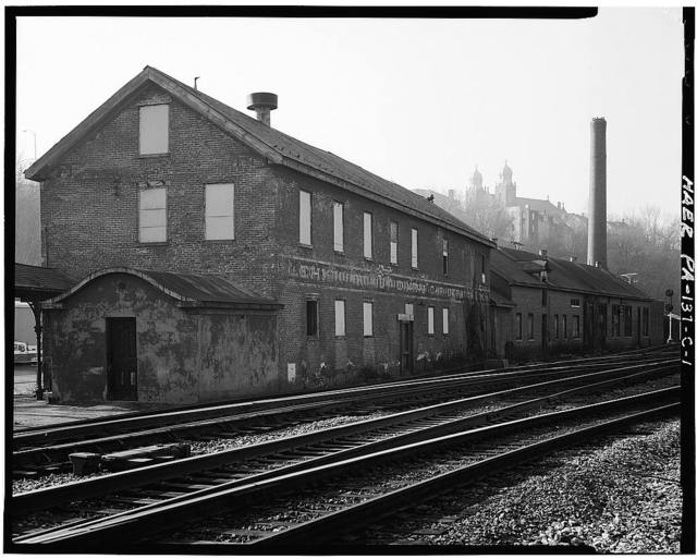 Lehigh Valley Railroad, Easton Steam Laundry & Dining Car, Canal Street, 50 feet west of Easton Station, Easton, Northampton County, PA