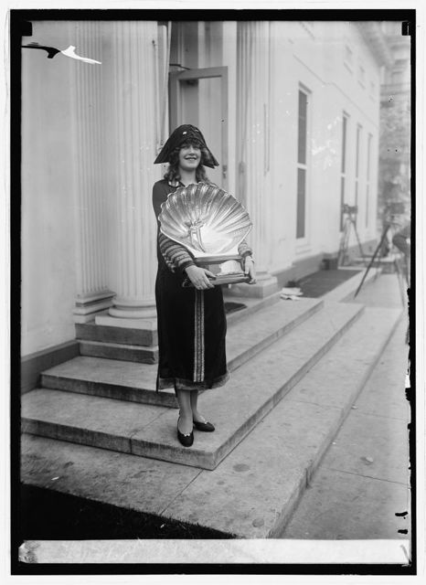 Lillian Mae Erbe, Miss Philadelphia at W.H. [i.e. White House, Washington, D.C.], 10/29/24