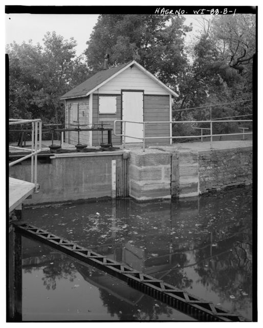 Little Chute Lock & Dam, Lock Shelter at Lock 2, On Southern Embankment, Southwest of Upper Gate, Little Chute, Outagamie County, WI