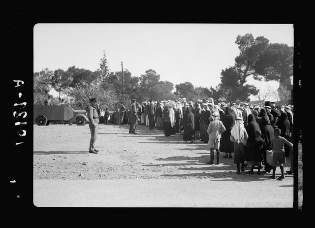 Long queue of Moslem [i.e., Muslim] Arabs visiting friends & relatives confined in prison, Jan. 30, '39