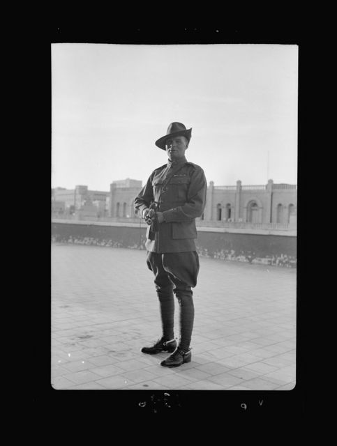 Lord Kitchner's trumpeter in 1915, Pvt. Frank Inman of Australian Imp. [i.e., Imperial] Forces. Mr. Frank Inman photographed on April 27, '40