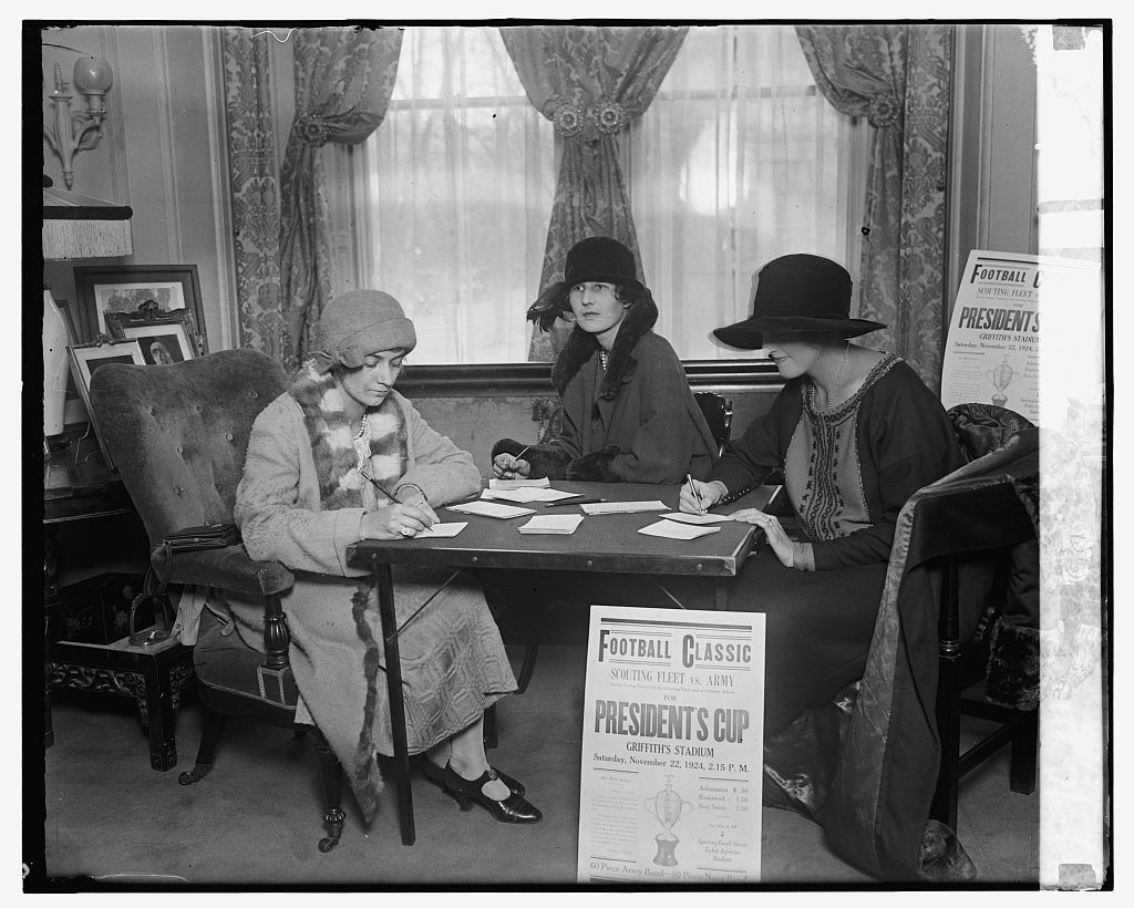 Marjorie Wright, Elizabeth Hitt, and Mrs. R.C.F. Goetz, 11/12/24