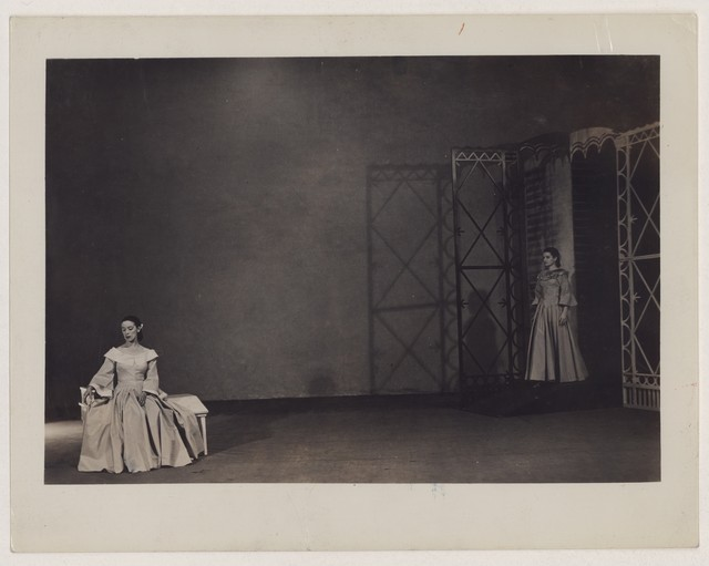 [ Martha Graham and Erdman in Letter to the world]