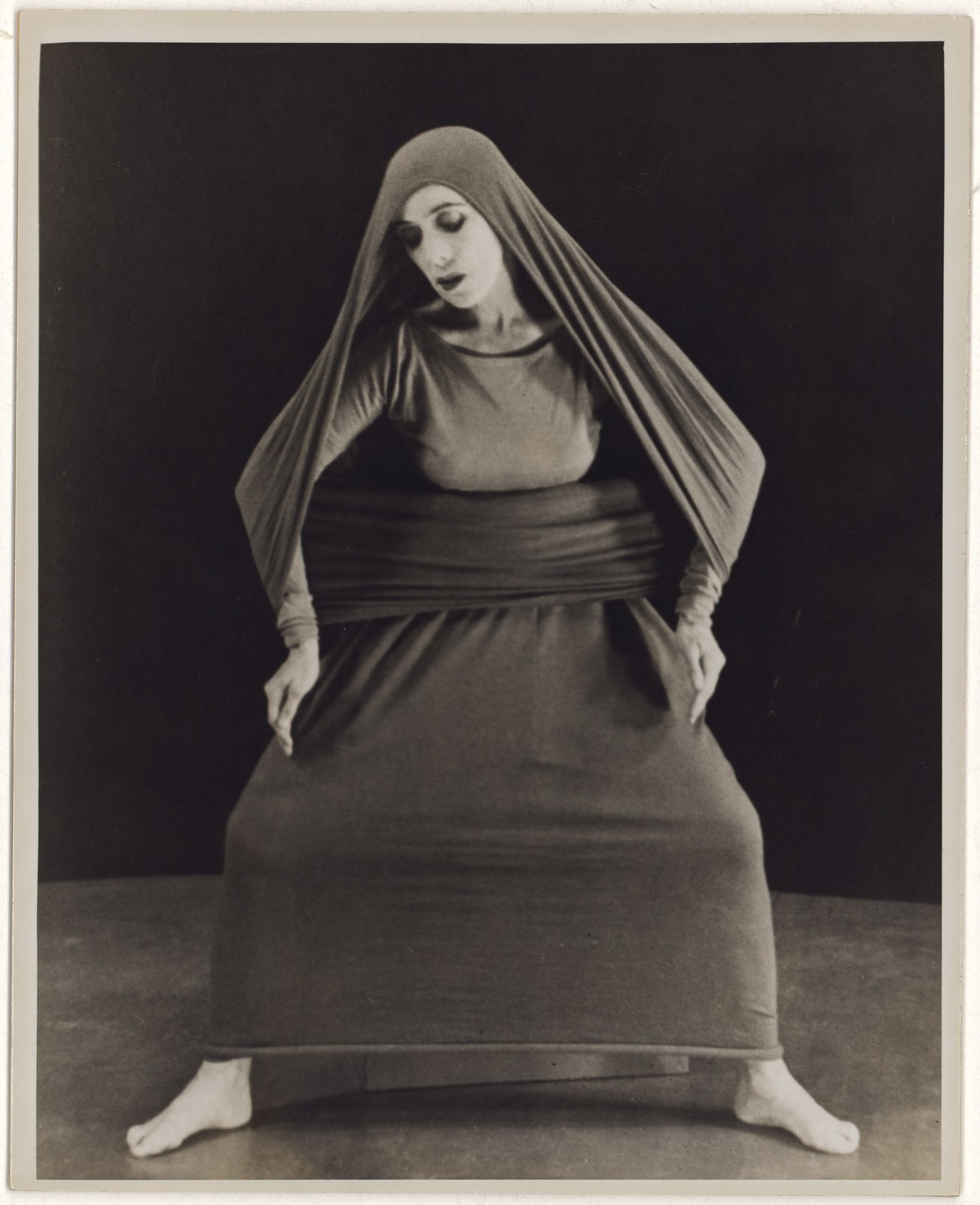 [ Martha Graham in Lamentation, No. 8]