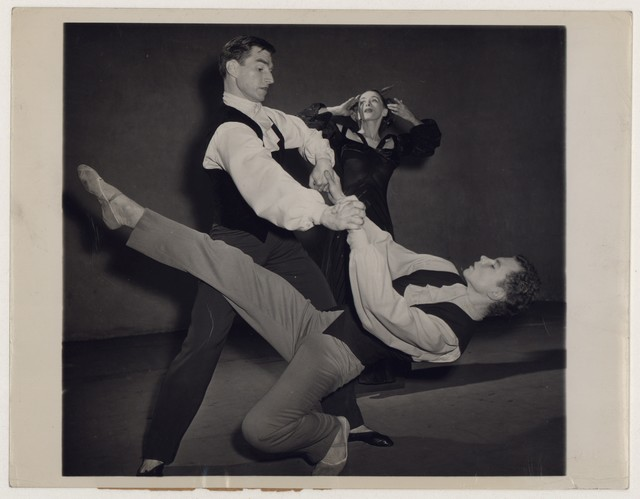 [ Martha Graham with Erick Hawkins and Merce Cunningham in Deaths and entrances]
