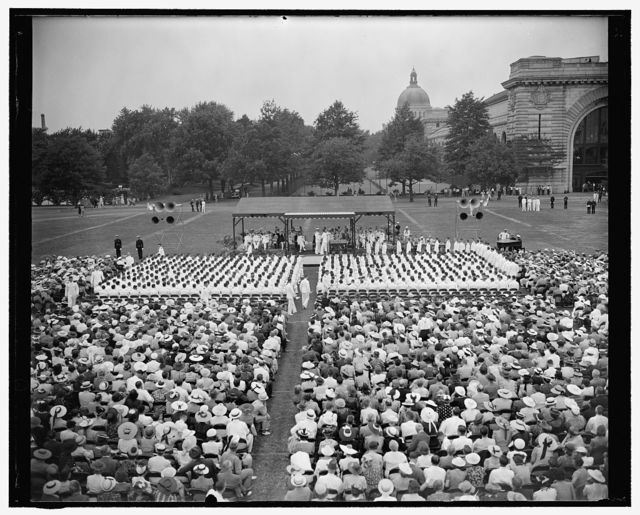 Middies receive commissions. Annapolis, Md. June 1. For the first time in many years the graduation exercises today at the U.S. Naval Academy were held out of doors. This general view was made while Admiral William D. Leahy, Chief of Naval Operations, presented the graduates with commissions and diplomas