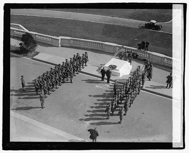 [Military formation at tomb], 10/27/22