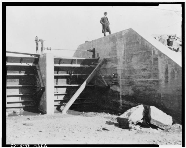 Milner Dam & Main Canal: Twin Falls Canal Company, On Snake River, 11 miles West of city of Burley, Idaho, Twin Falls, Twin Falls County, ID