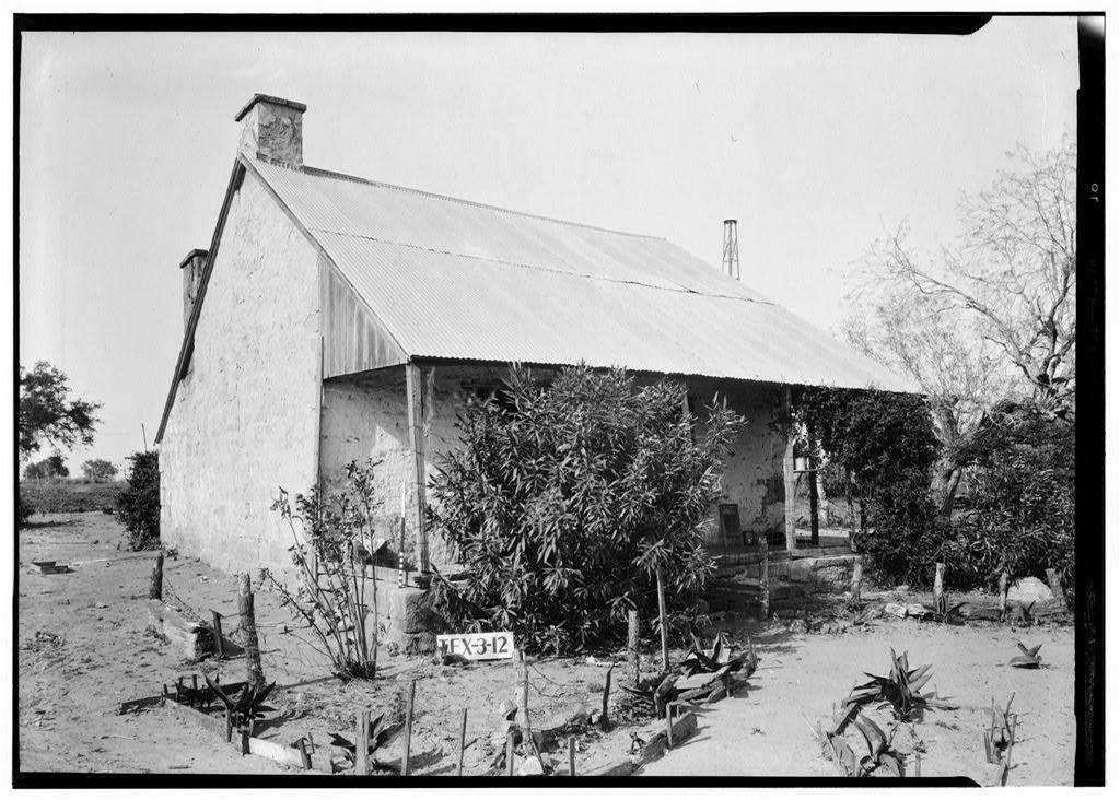 Moscygamba Houses, Off Farm Road 81, Texas Route 123 Vicinity, Panna