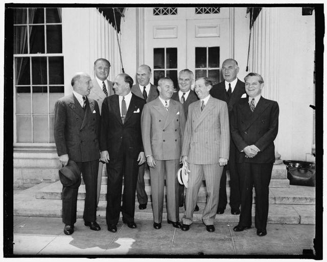 Movie Industry pledges cooperation with the government. Washington, D.C., June 25. At a conference with President Roosevelt today, a group of motion picture company executives, led by Will Hays, emphasized the desire of the industry to cooperate with the government. In the front row, left to right: Darney Balaban, Paramount; Harry Chon, Columbia Pictures; Nicholas M. Schenck, Lowe's; Will Hays, and Leo Spitz, RKO. artists; Sidney Kent, 20th Century Fox; N.J. Blumberg, Universal; and Albert Warner, Warner Bros., 6/25/38