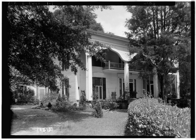 Mrs. Hugh Foster House, 201 Kennon Street, Union Springs, Bullock County, AL
