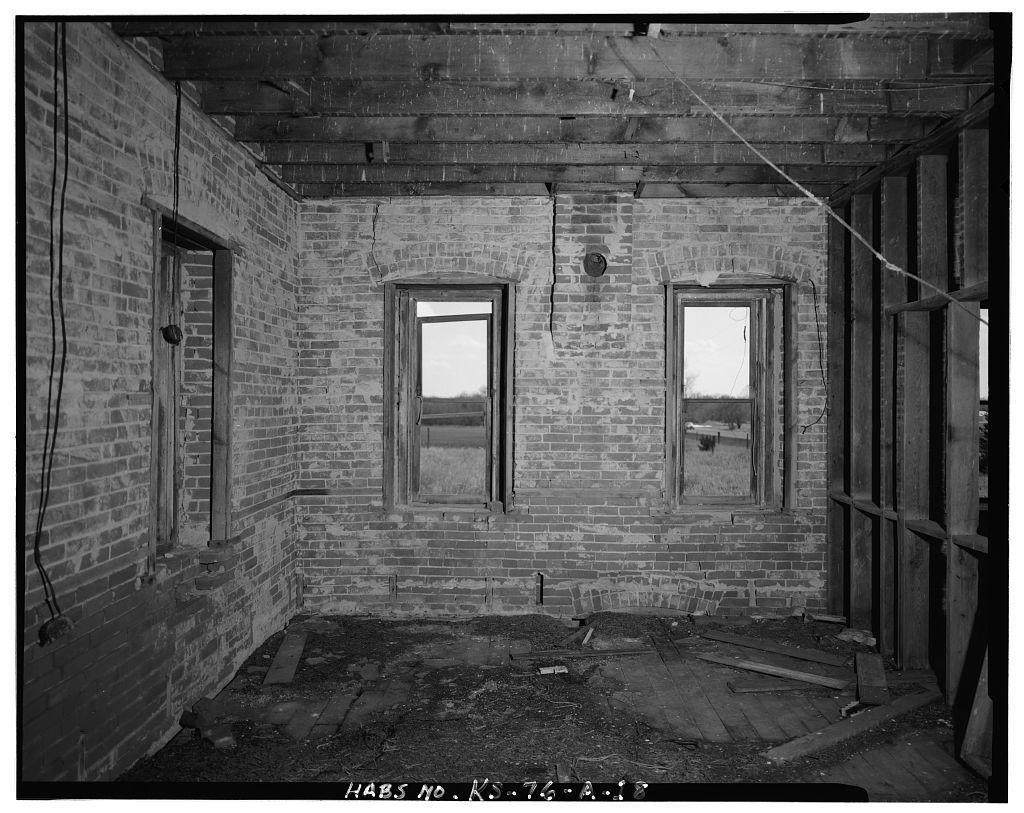 Neville-Kanode Farmstead, Residence, East side of U.S. Highway 81, 2.5 miles south of Kansas-Nebraska state line, Munden, Republic County, KS