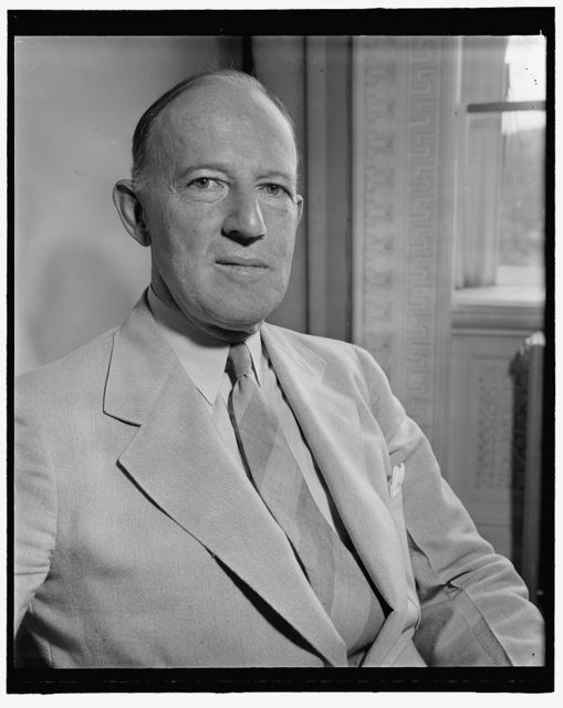 New Governor General of Philippines. Washington, D.C., July 27. Francis B. Sayre, Assistant Secretary of State, who was yesterday appointed by President Roosevelt to succeed Paul V. McNutt as Governor General of the Philippines. This is a new photograph, 7/27/39