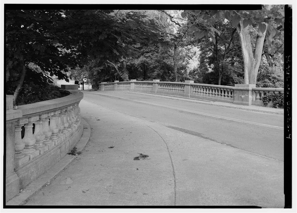 New Harvard Street Bridge, Spans Rock Creek & Beach Drive at National Zoo, Washington, District of Columbia, DC