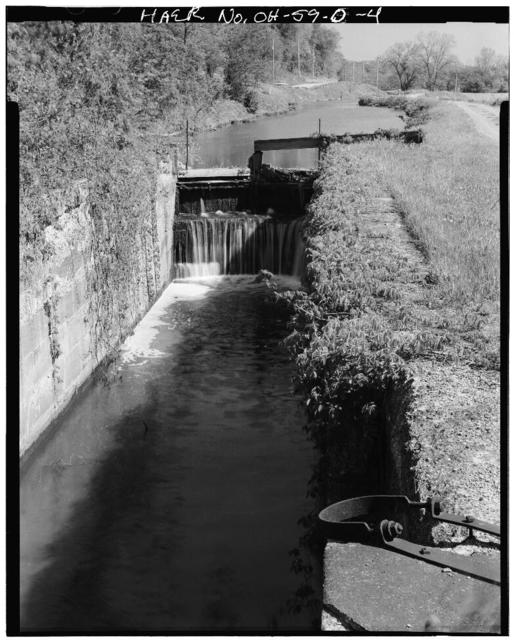 Ohio & Erie Canal, Lock No. 39, West side of Canal Road, 3400 feet north of Stone Road, Valley View, Cuyahoga County, OH