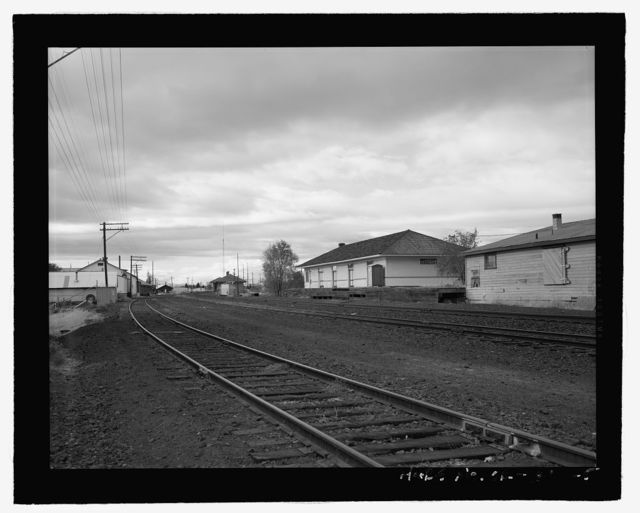 Oregon Trunk Railway Freight Depot, Southwest First Street & Cascade Avenue, Redmond, Deschutes County, OR
