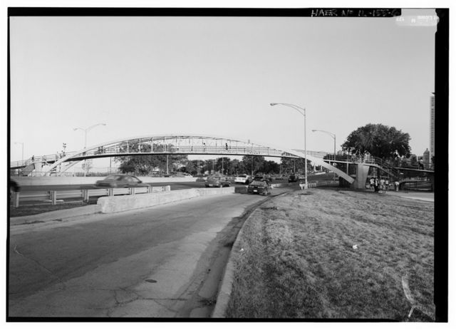 Passerelle in Lincoln Park, Spanning North Lake Shore Drive (U.S. Route 41) on axis of East Menomonee Street, Chicago, Cook County, IL