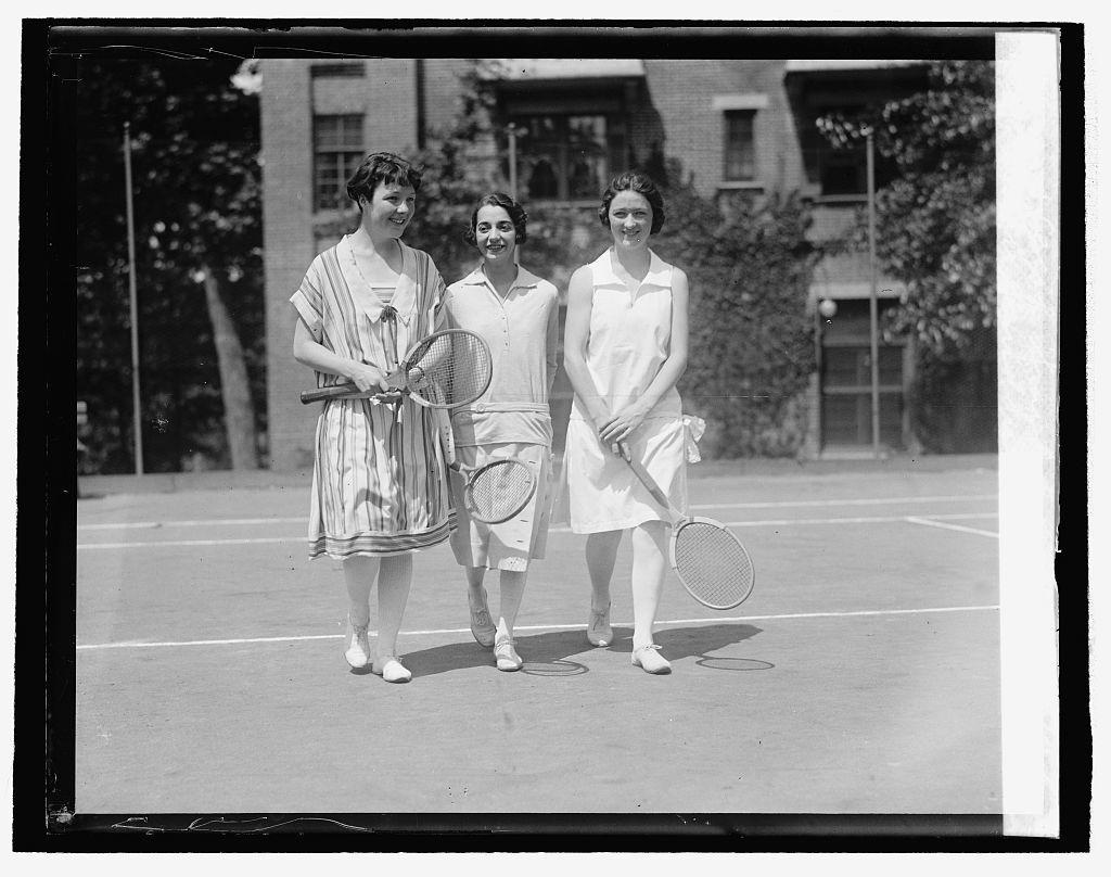 Pearl Smiddy, Yolanda Freyre & Cecil Smiddy, 5/25/26