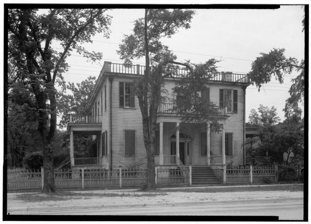 Pegues-McKay House, Kershaw & Third Streets, Cheraw, Chesterfield County, SC