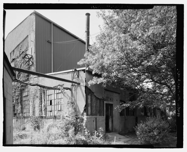 Pennsylvania Railway Ore Dock, Machine Shop, Lake Erie at Whiskey Island, Cleveland, Cuyahoga County, OH