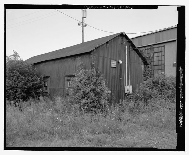 Pennsylvania Railway Ore Dock, Storage Shed, Lake Erie at Whiskey Island, Cleveland, Cuyahoga County, OH