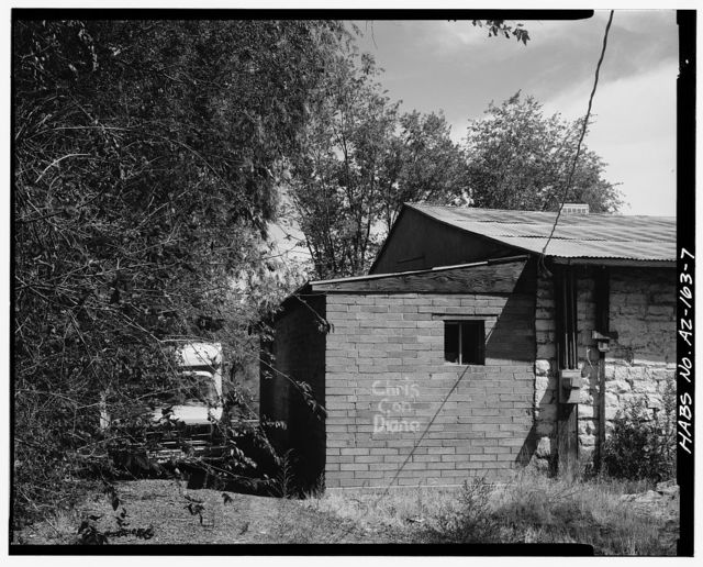 Petrified Log Station, 503 Apache Drive, Holbrook, Navajo County, AZ