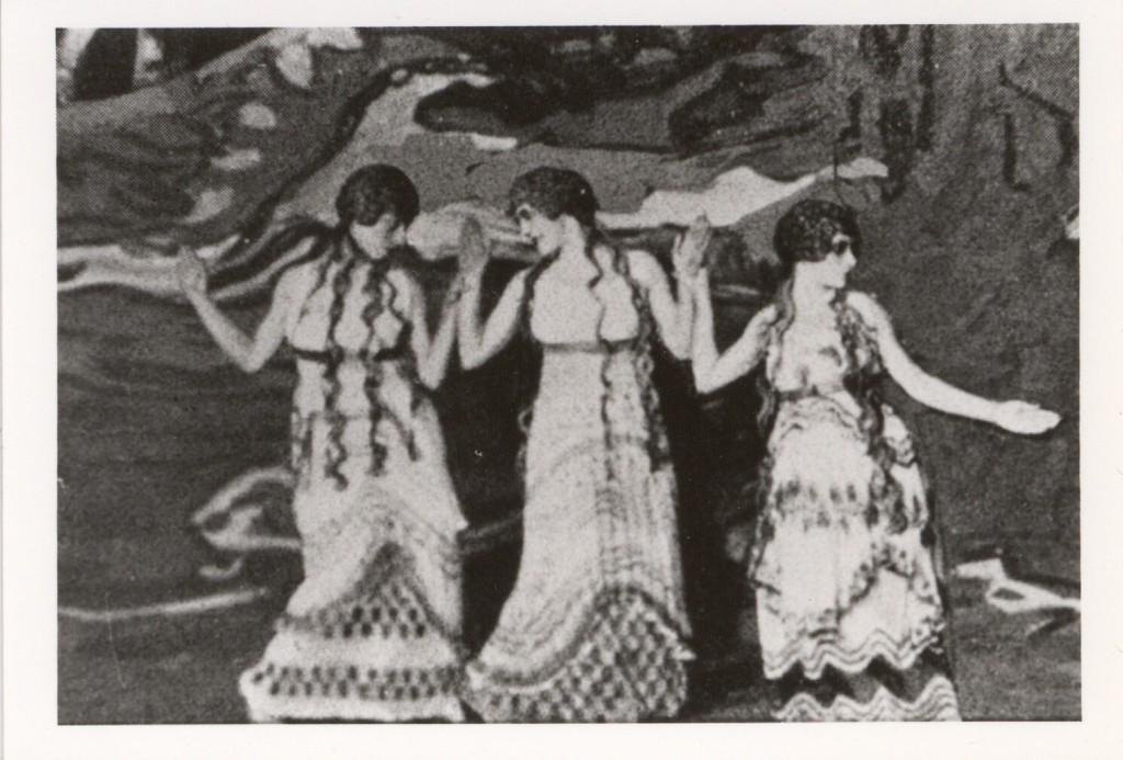 Photograph of Bronislava Nijinska, Olga Khohlova, and Lubov Tchernicheva in L'Après-Midi d'un Faune, n.d.