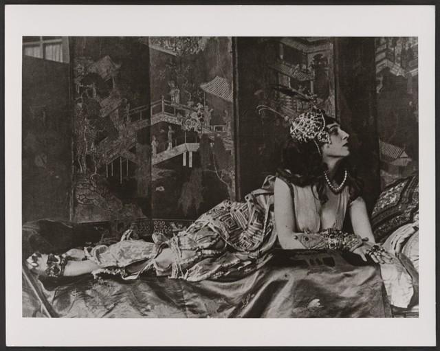 Photograph of Ida Rubinstein in a studio portrait, c. 1910, in her costume for Zobeide in Schéhérazade, no photographer
