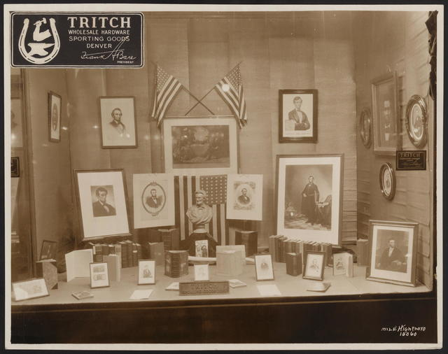 [Photograph of shop window display of Lincolniana.]