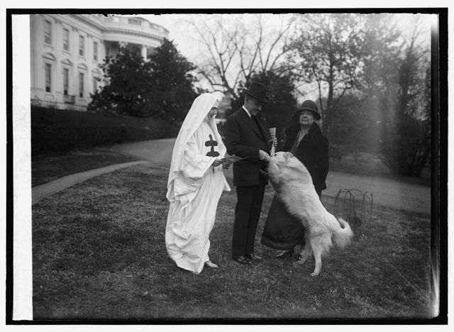 Pres. Coolidge buys tuberculosis seals, 12/1/24