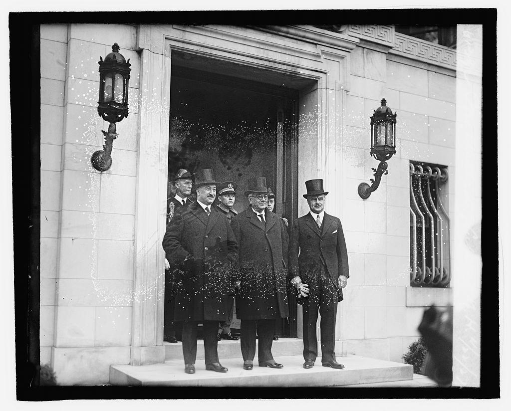 Pres. Machado of Cuba at W.H., 4/22/27