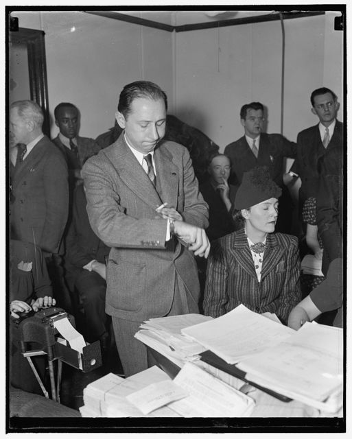 Protest WPA relief cuts. Washington, D.C., Dec .15. David Lasser, President of the Workers Alliance, and Mary Gorman, research worker for the same organization, led WPA workers from 28 states in protesting to Asst. WPA Administrator Aubry Williams the recent relief cuts, 12/15/38
