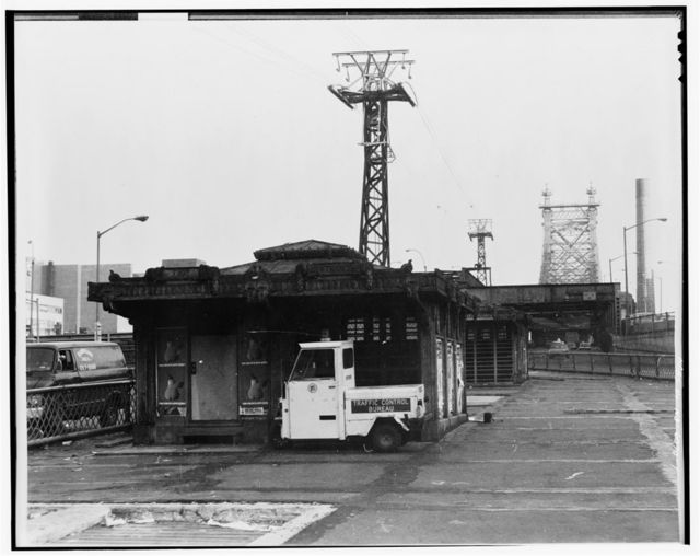 Queensboro Bridge Trolley Station, Spanning East River & Blackwell's Island, New York, New York County, NY
