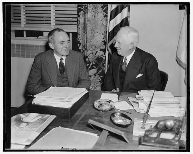 Red Cross offered air aid in forthcoming rill call. Washington, D.C., Oct. 6. Neville Miller, (left) President of the Association of Broadcasters, calling on Norman H. Davis, Chairman of the American Red Cross, to offer the fullest cooperation of his organization in the forthcoming nation-wide roll call, November 11. 24. Mr. Davis thanked Mr. Miller for the cooperation the broadcasters rendered during the recent flood disasters, 10/6/38