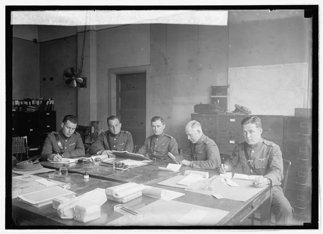 Round the World Flyers making their official report of the world flight, 11/24/24