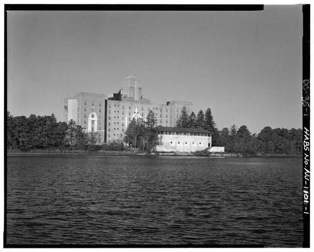 Royal Pines Hotel, 395 Lakeside Avenue, Bayville, Ocean County, NJ