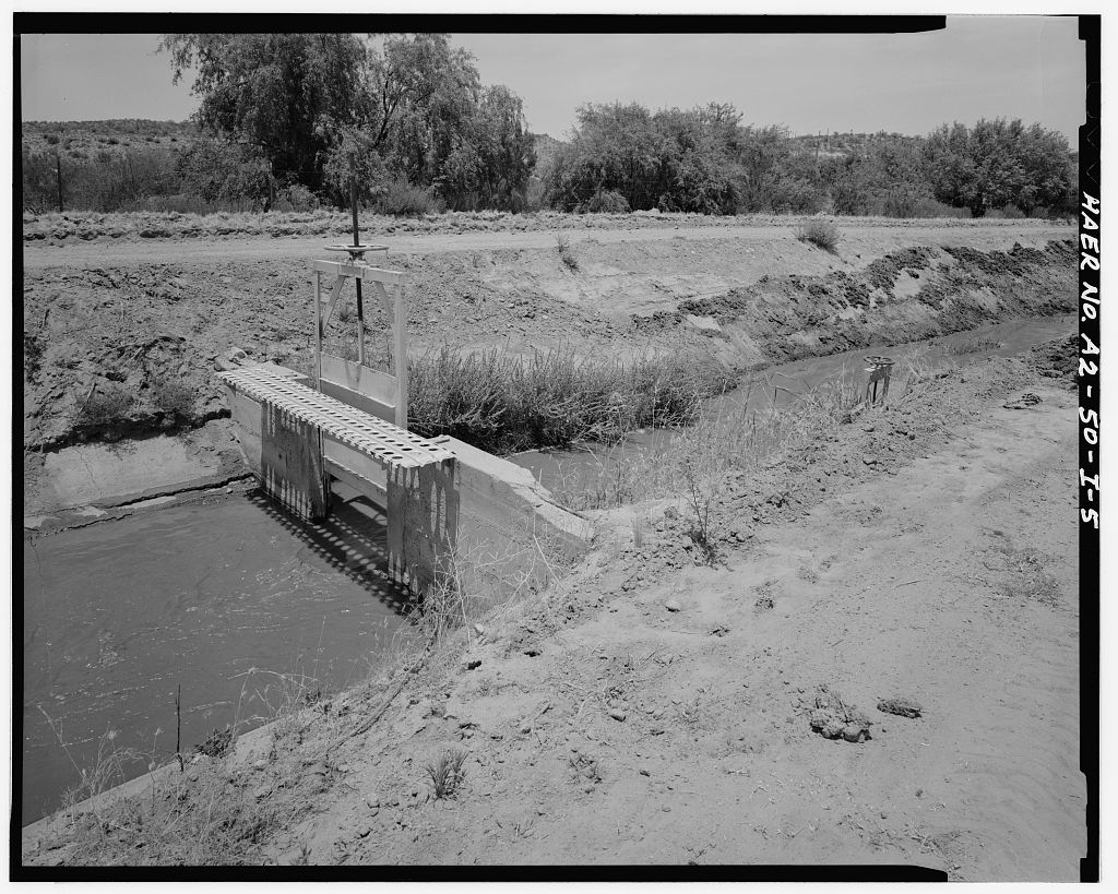 San Carlos Irrigation Project, North Side Canal, North of Gila River, Coolidge, Pinal County, AZ