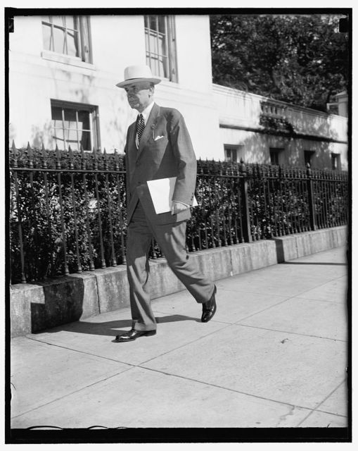 Sec. Hull talks to president about Far East situation. Washington, D.C., Aug. 16. Secretary of State Cordell Hull, arriving at the White House today to give the president a first hand report on the Far East situation